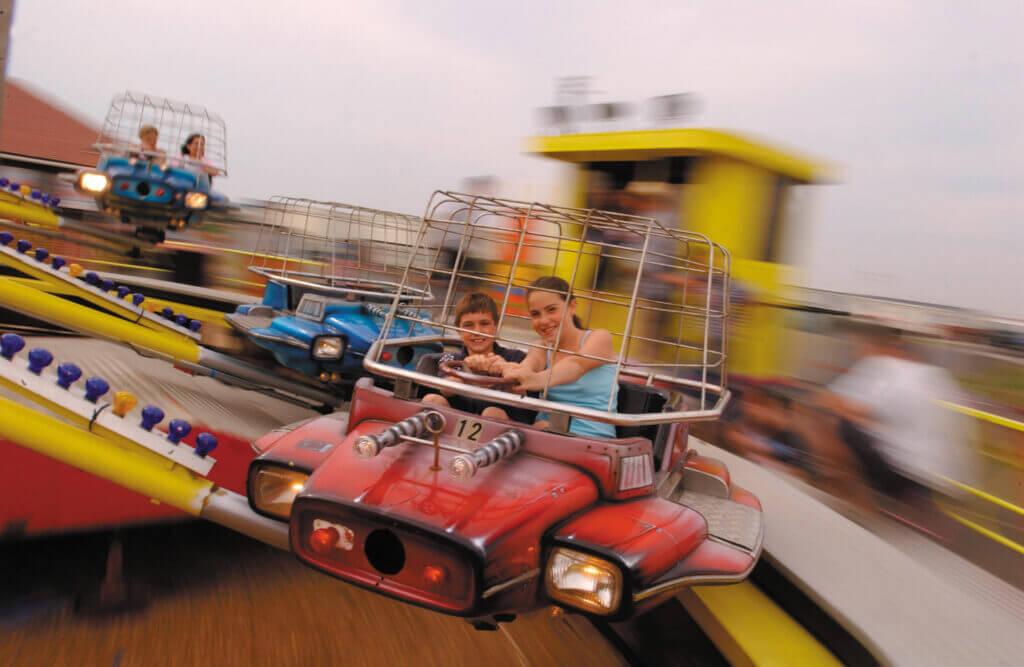bunn_leisure_funfair-children-on-aeroplanes